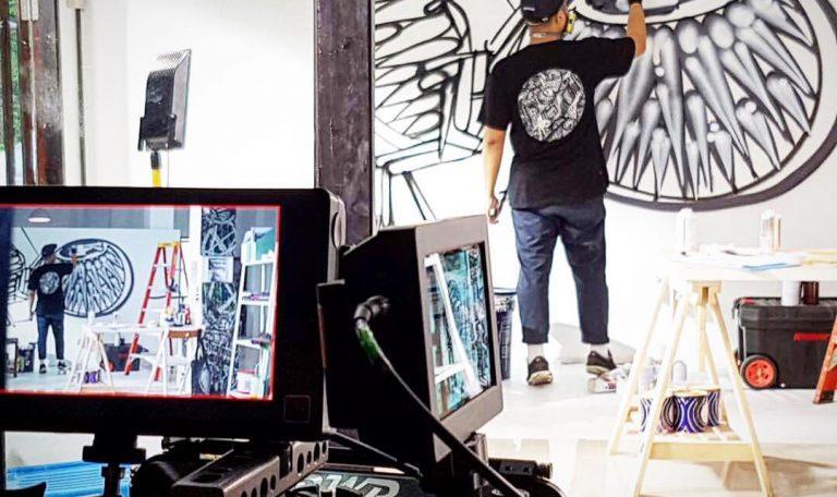 seniman mural
